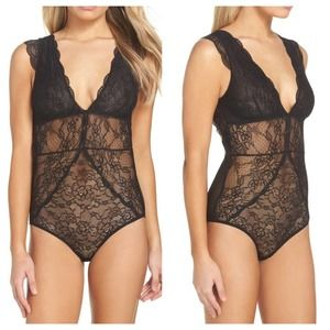 Same Edelman Cap Sleeve Lace and Mesh Bodysuit Med